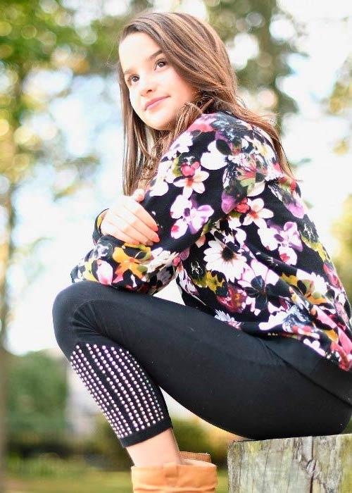 Cute Wallpaper Of Hayden Summerall Annie Leblanc Height Weight Body Statistics Boyfriend