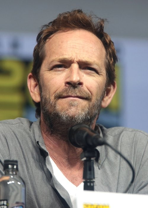 Luke Perry Height Weight Age Body Statistics  Healthy
