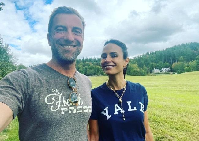 Mason Morfit taking a selfie with Jordana Brewster in September 2021