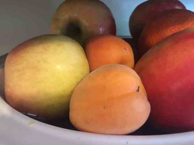 Fully stocked fruit bowl - healthy eating tips