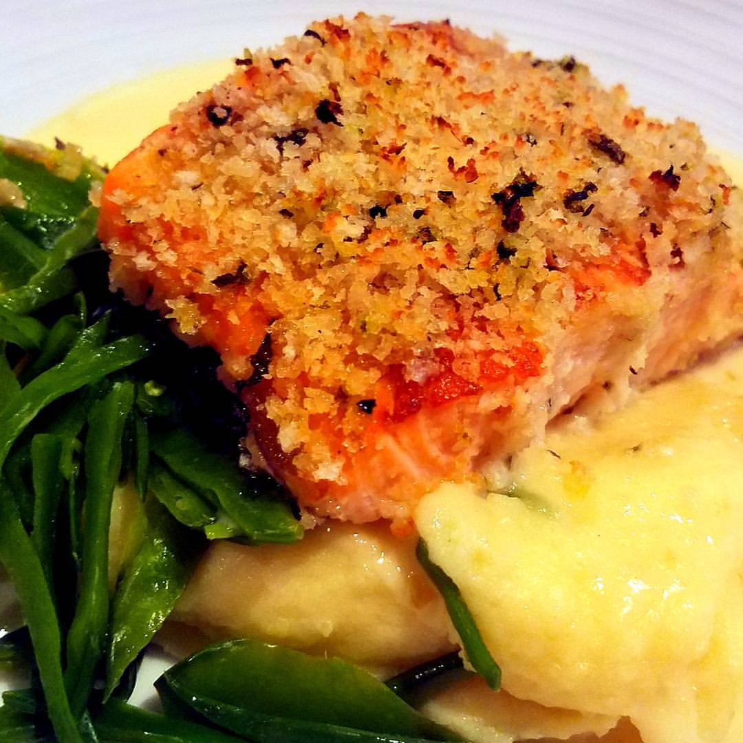 Parmesan crusted salmon cauliflower mash, dinning on harmony of the seas