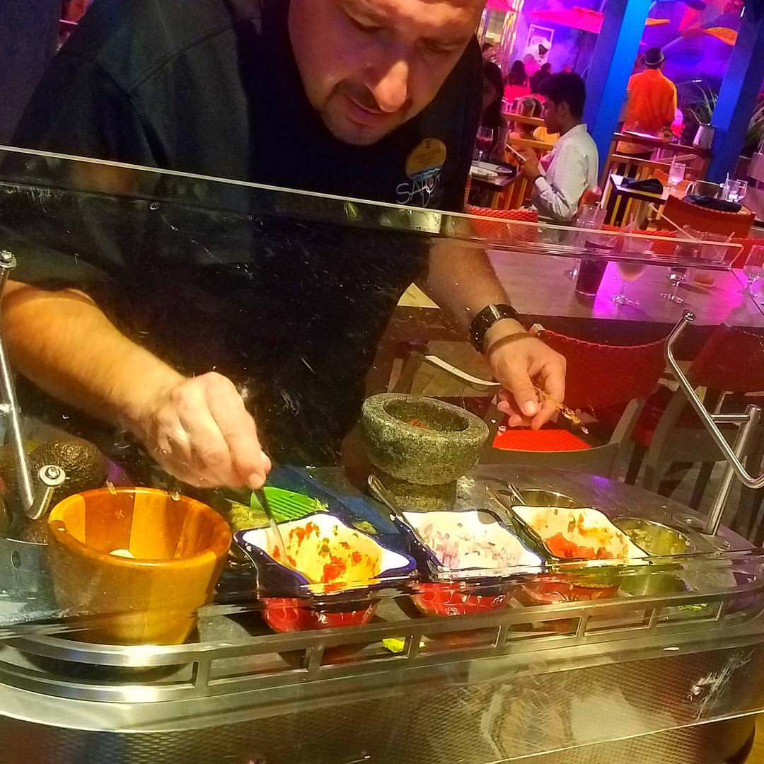 fresh guacamole, dinning on harmony of the seas