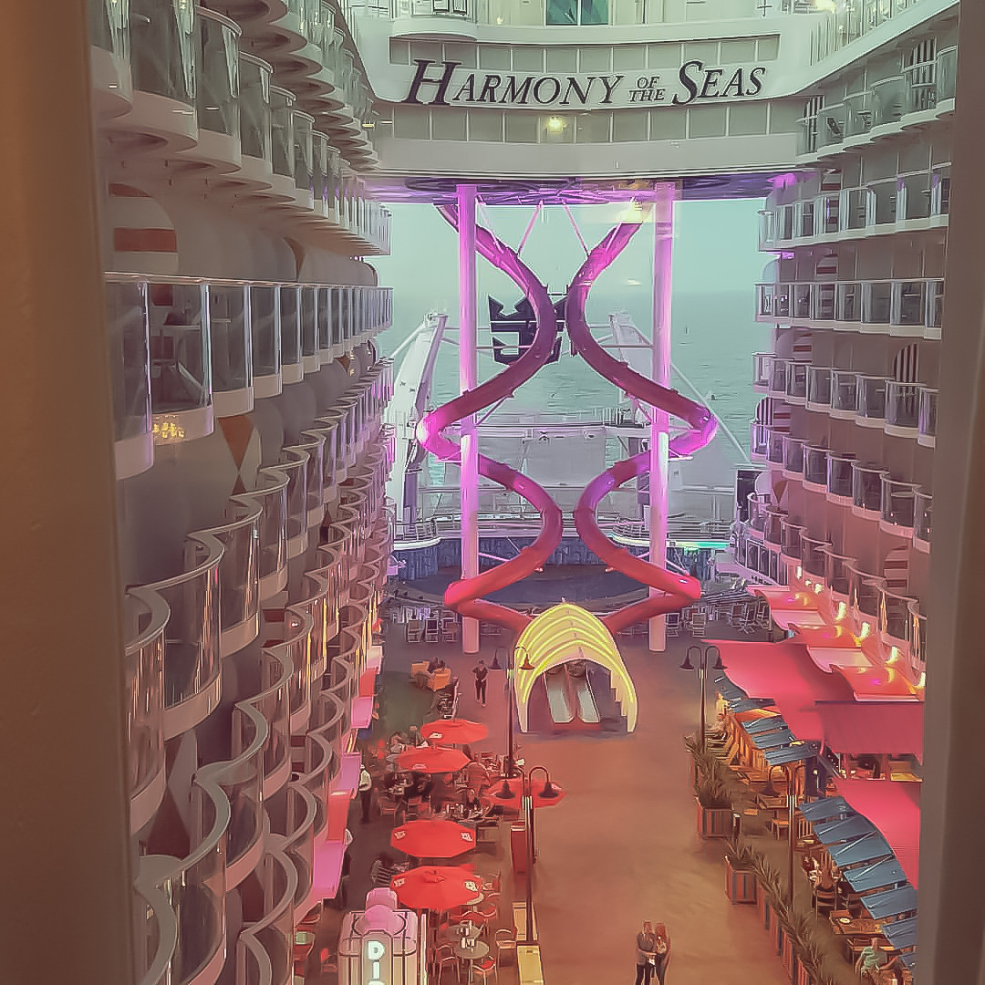 harmony of the seas cruiseship
