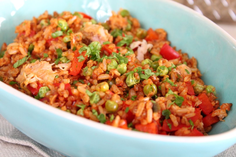 Lunch salade met tonijn, rijst, quinoa en granen2