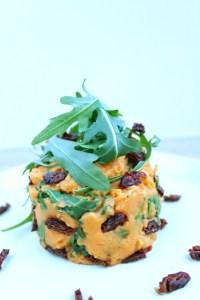 zoete aardappel stamppot met rucola en zongedroogde tomaat 1