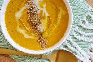 pompoen linzensoep met wortel en paprika