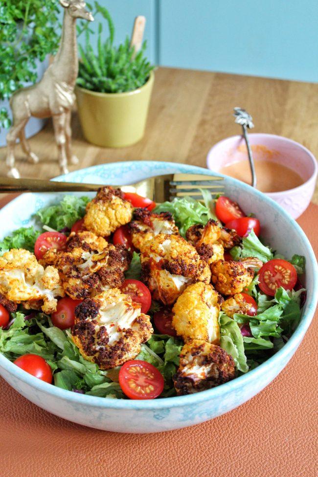 geroosterde bloemkool curry salade