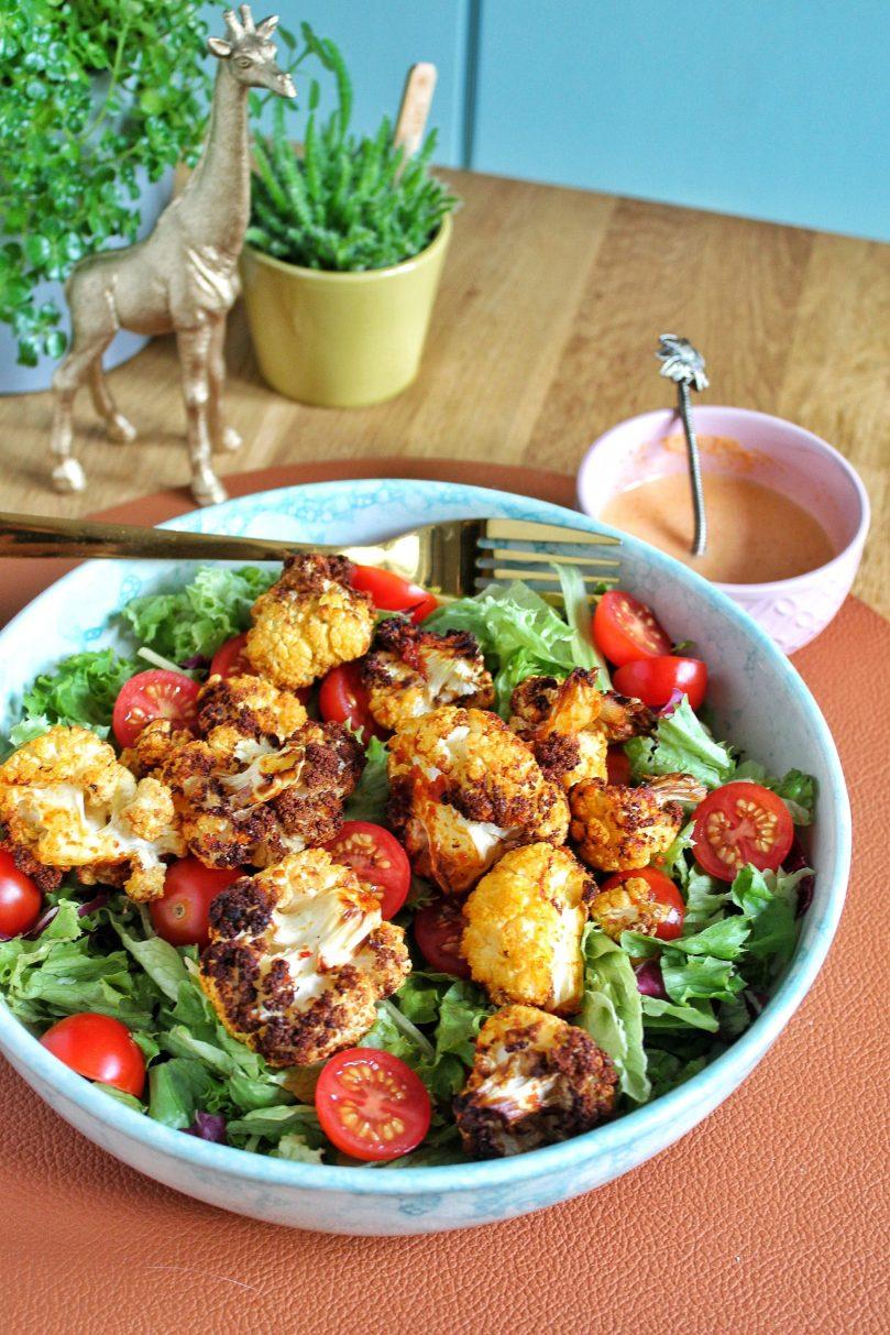 geroosterde bloemkool curry salade.