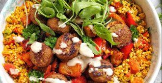 Bloemkool couscous bowl met gegrilde groenten en falafel