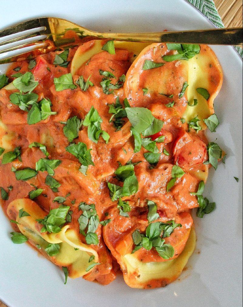 gevulde pasta met romige tomatensaus