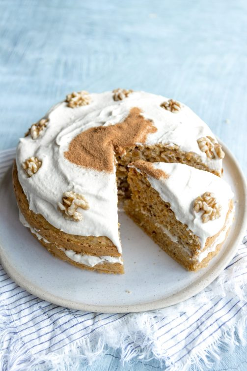 healthy vegan carrot cake recipe with cashew cream frosting