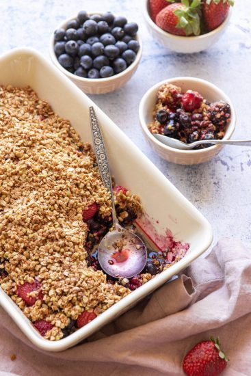 vegan berry nut-free crumble