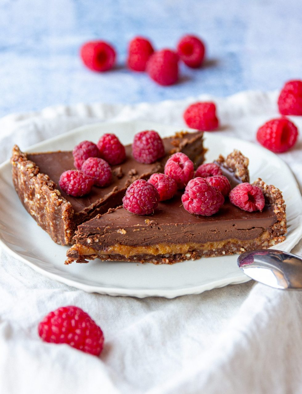 vegan caramel chocolate tart