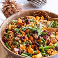 Vegan Healthy Christmas Salad with Quinoa and Green beans