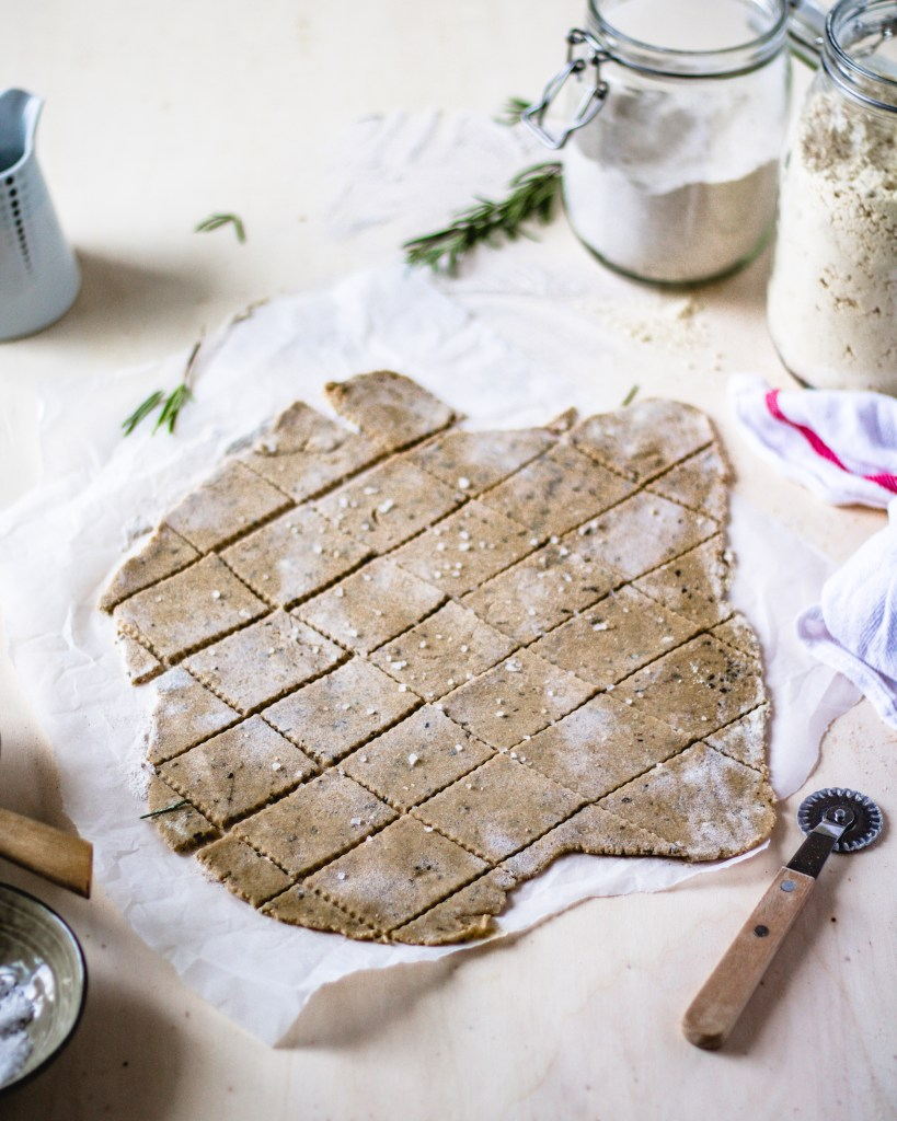 Chickpea crackers - gluten-free and vegan recipe | Healthy Goodies by Lucia