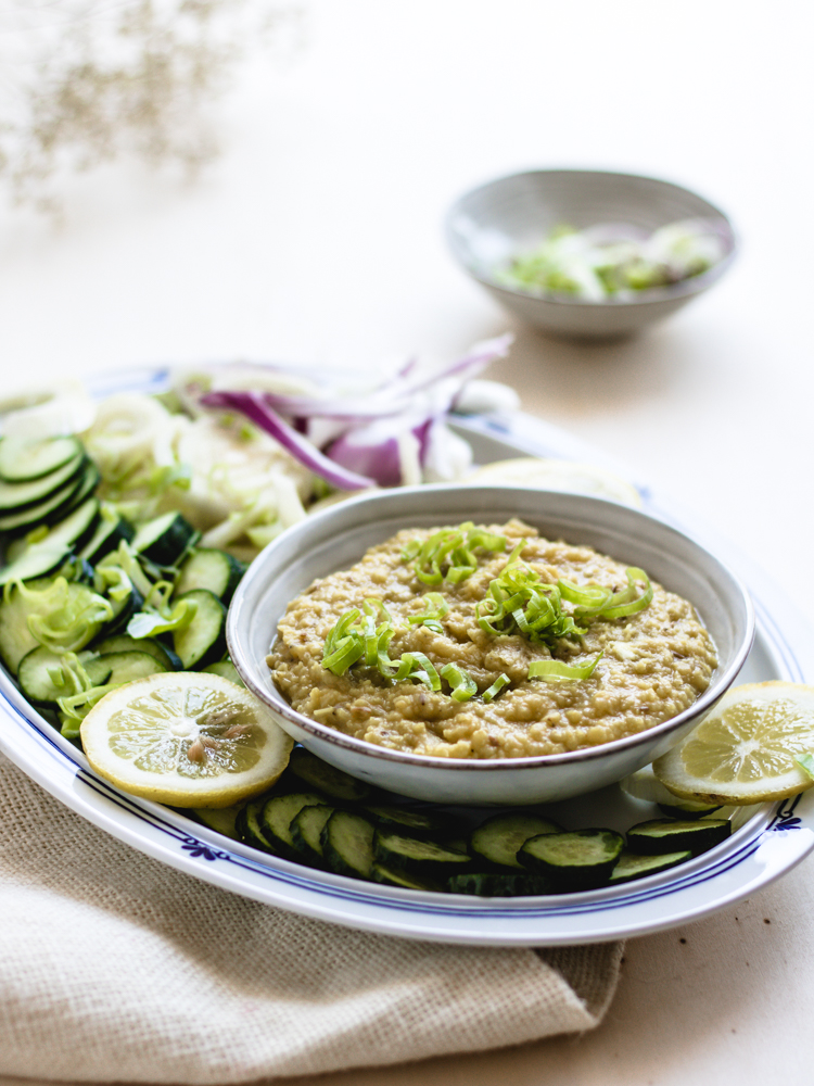 lentil curry hummus | Healthy Goodies by Lucia