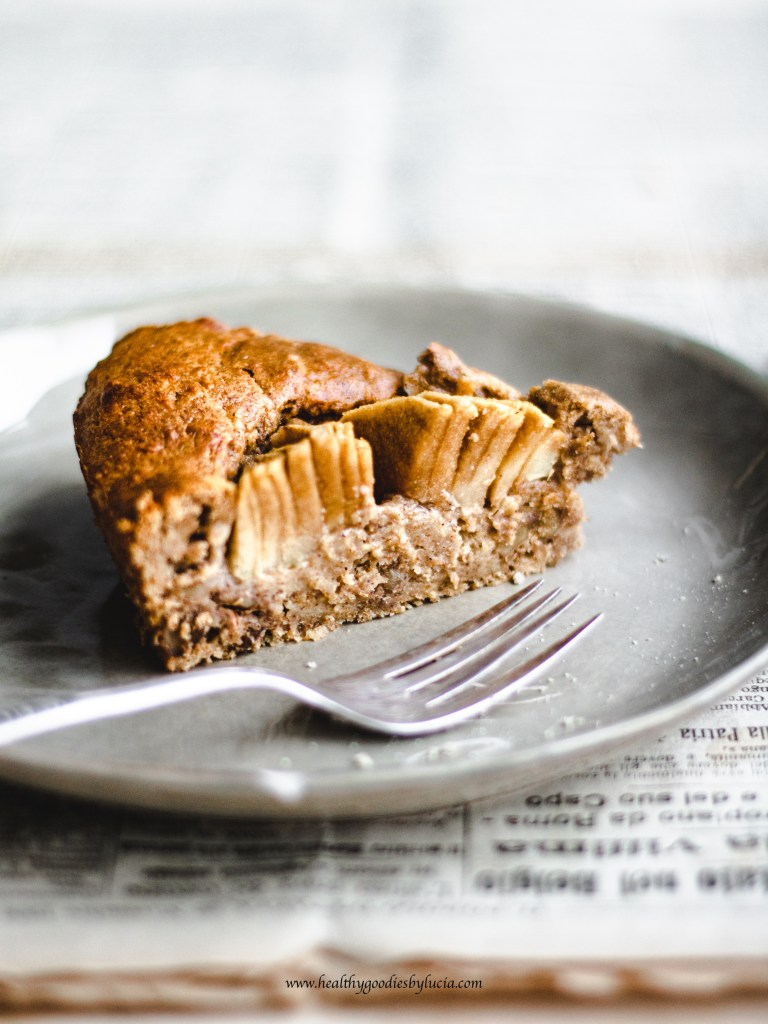 Gluten-free Apple Pie with cinnamon, ginger and walnuts | Healthy Goodies by Lucia