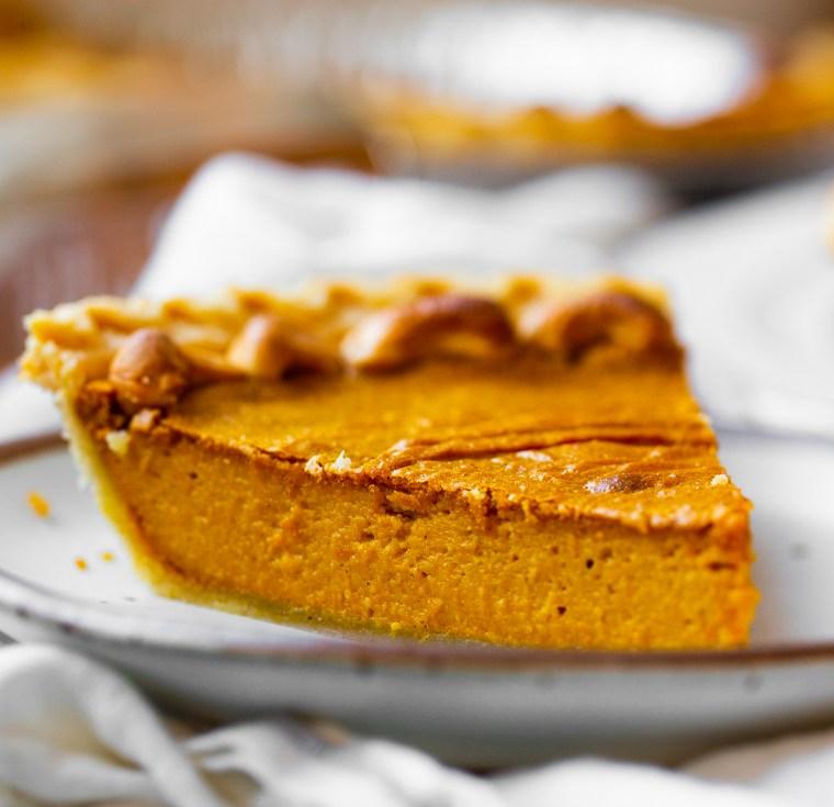 pumpkin pie slice for thanksgiving