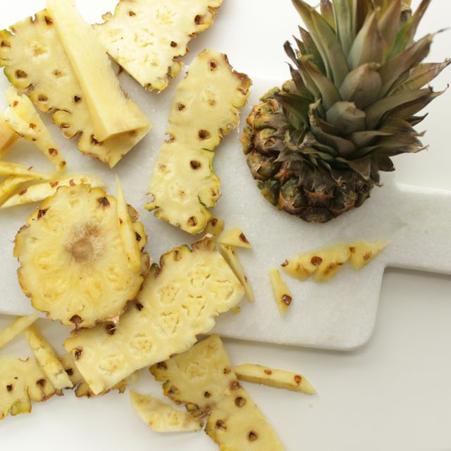 pineapples are real friends - www.healthyhappysteffi.com