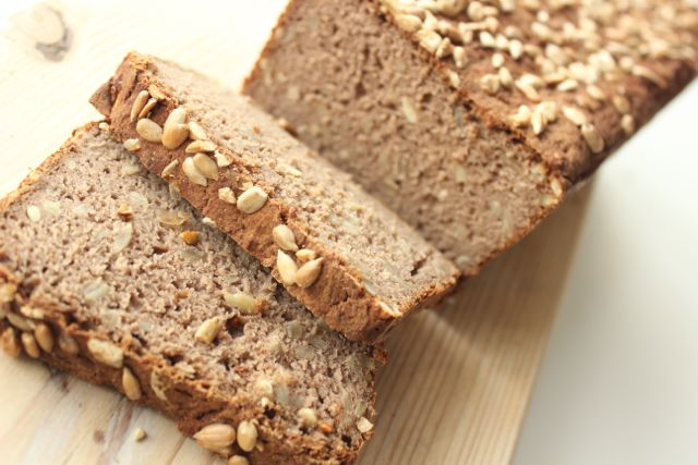 Teff bread - vegan and glutenfree - www.healthyhappysteffi.com