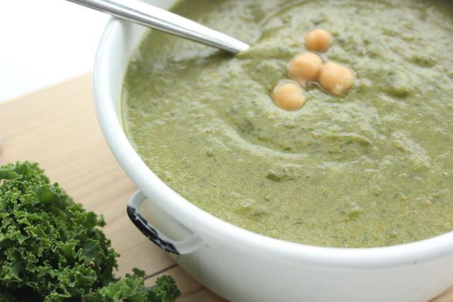kale soup - www.healthyhappysteffi.com