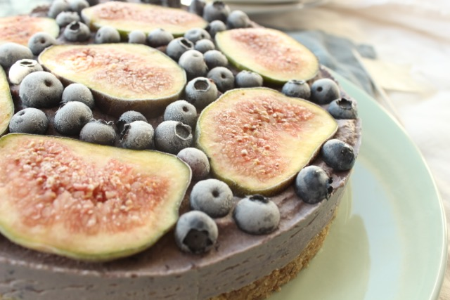 Blueberry-Fig-Cake - vegan, gluten free, sugar free, raw