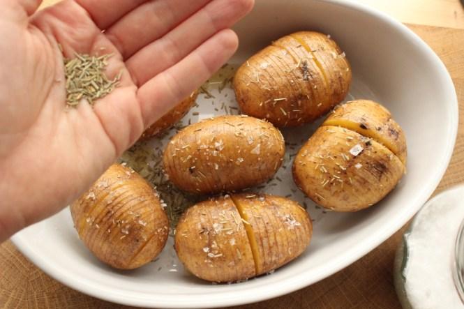 Fächerkartoffeln mit Kräutern