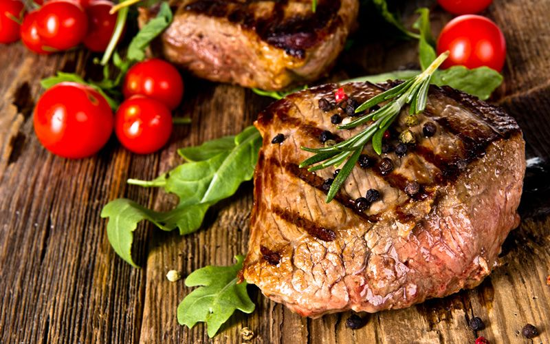Steak-Meat-Beef-Tomato-Grilled-Seared-Rosemary-800x500
