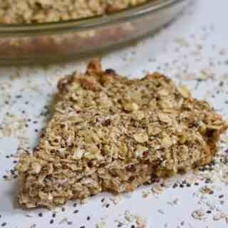 Holiday Baked Oatmeal | Healthy Helper Eggnog flavored baked oatmeal filled with healthy ingredients is perfect for a special holiday season breakfast. Vegan, gluten-free, and low in sugar, these Holiday Baked Oats will be your new favorite family breakfast.