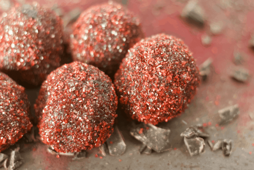Raw Vegan Red Velvet Truffles | Healthy Helper @Healthy_Helper Dense, fudgy dark chocolate truffles filled with all the flavor you love about Red Velvet desserts. These Red Velvet Truffles are raw, vegan, and perfect for showing that special someone how much you care!