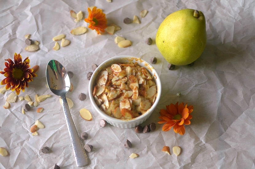 Vegan Pear Streusel Mug Cake | Healthy Helper @Healthy_Helper