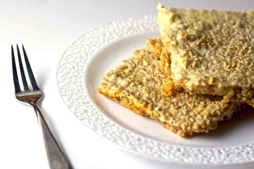 Gluten-Free Mac and Cheese Baked Oatmeal   Healthy Helper @Healthy_Helper Savory baked oatmeal bars that are high in protein and taste like mac and cheese! These Gluten-Free Mac and Cheese Bars are healthy, whole grain, and perfect for a quick breakfast or snack. Make them ahead of time to have on hand all week long!
