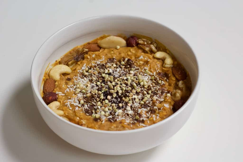 Pumpkin Spice Latte Overnight Oatmeal   Healthy Helper Your favorite seasonal flavor infused into an easy, healthy breakfast you can make all week-long. This Pumpkin Spice Overnight Oatmeal is vegan, gluten-free, full of plant-based protein, and have no added sugar. It's simple to make ahead of time and is a delicious, filling way to start your day.