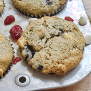 Red, White, and Blueberry Muffins | The perfect patriotic snack for the Fourth of July! These Red, White, and Blueberry Muffins are full of fruity goodness and the swirls of white chocolate. Low in sugar, gluten-free, and vegan. A summer treat not to miss!