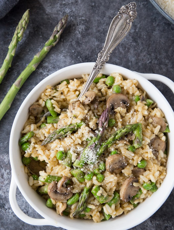 Instant Pot Spring Risotto { with Mushrooms, Asparagus & Peas)