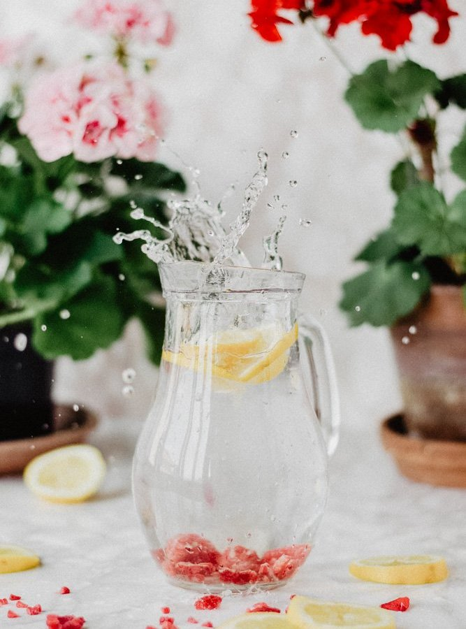 HOW TO DRINK MORE / HYDRATION / TIPS TO DRINK MORE DURING THE DAY