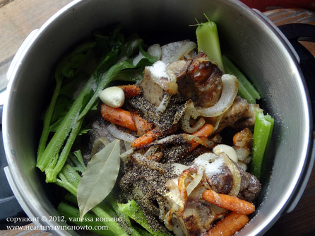 Making Beef Bone Broth Image 3