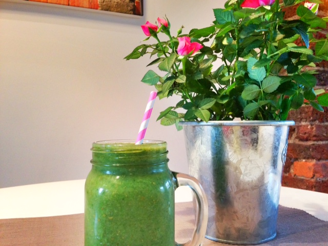 Pear, Spinach and Lettuce Smoothie