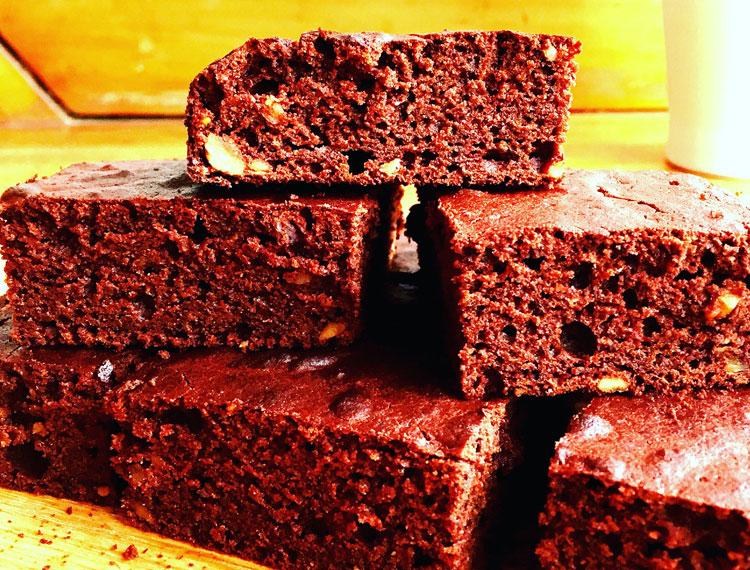 healthy beetroot brownies