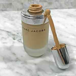 Picture of Marc Jacobs Remarcable full cover foundation concentrate in Bisque Medium #26 with a dot applicator