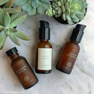 True Botanicals Renew collection review and pictures. I love the Antioxidant Booster and Cellular Repair Serum