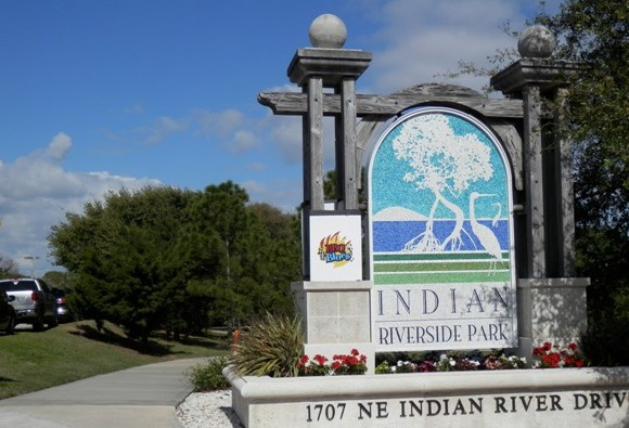 Entrance to Indian Riverside Park