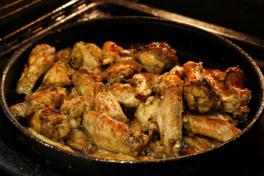 Chicken Wings with Garlic Pecorino Sauce