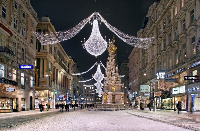 The Vienna Graben with winter decoration