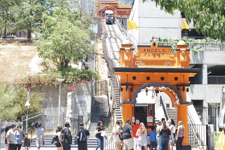 Angels flight in downtown los angeles (1).JPG