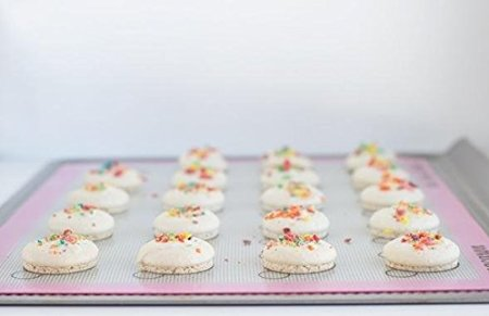 The Simple Baker Silicone baking mat for macarons