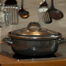 Safe Sizzling, Steaming and Stewing: Using the Healthiest Cookware for Your Family