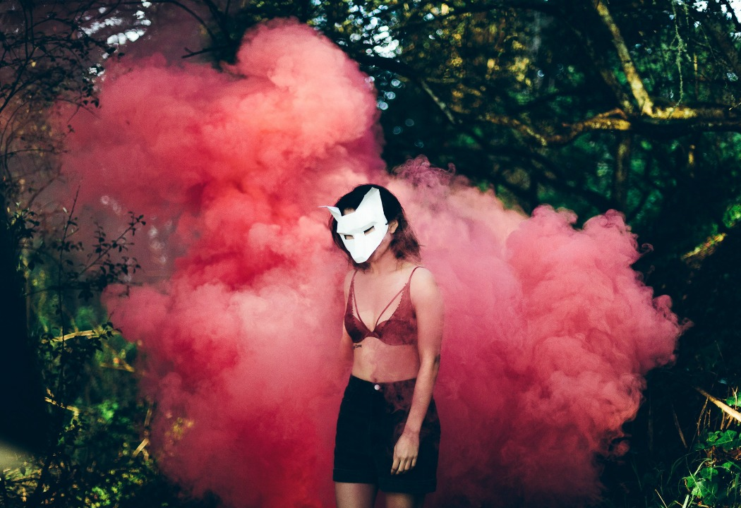 How I Rewired My Brain To Attract Guys That Were Good For Me - Heart Hackers Club - chemistry - Smoke bomb