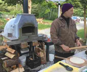 Dream Away Lodge Pizza Oven