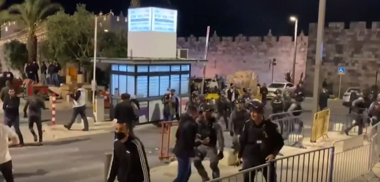 Palestinians, Jewish Activists Skirmish in East Jerusalem in Worst Clashes in Days amid Ramadan Tensions